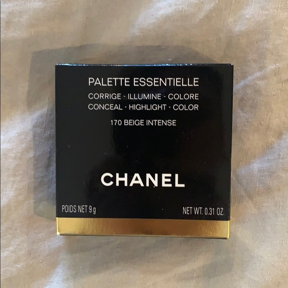 CHANEL Other - Chanel conceal/ highlight/ color compact